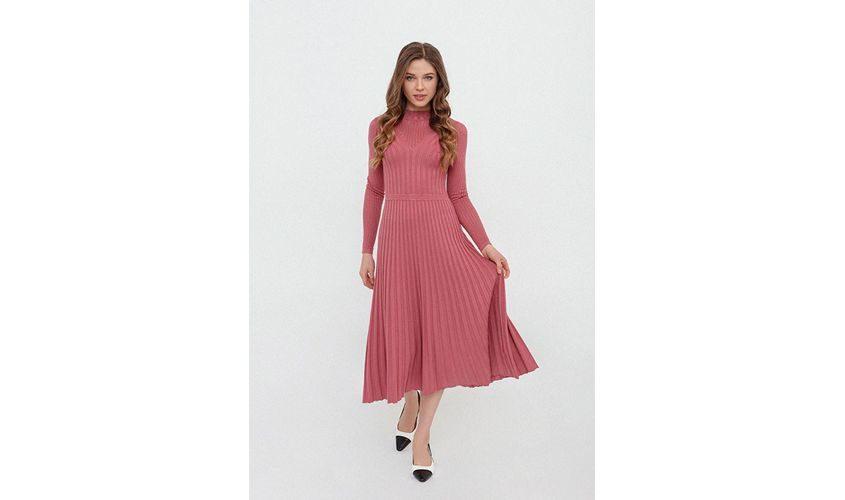 Вязаное платье розовое